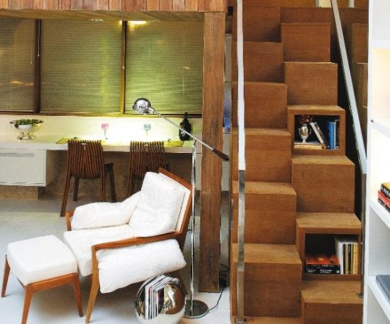Escada com nichos para degraus na sala decoracao