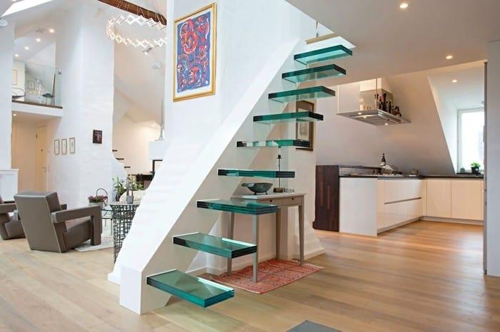 escada minimalista de vidro na decoracao