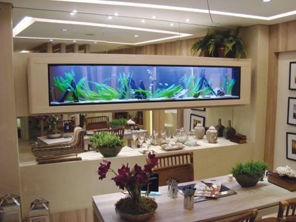 sala-de-jantar-com-aquario-decorativo