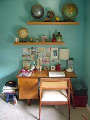 escritorio-pequeno-com-mesa-antiga