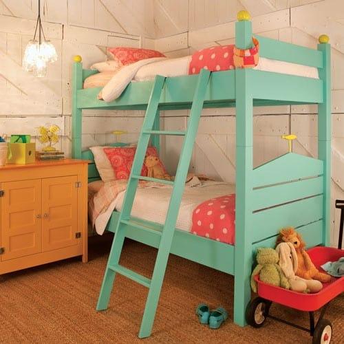 quarto de menina colorido e delicado