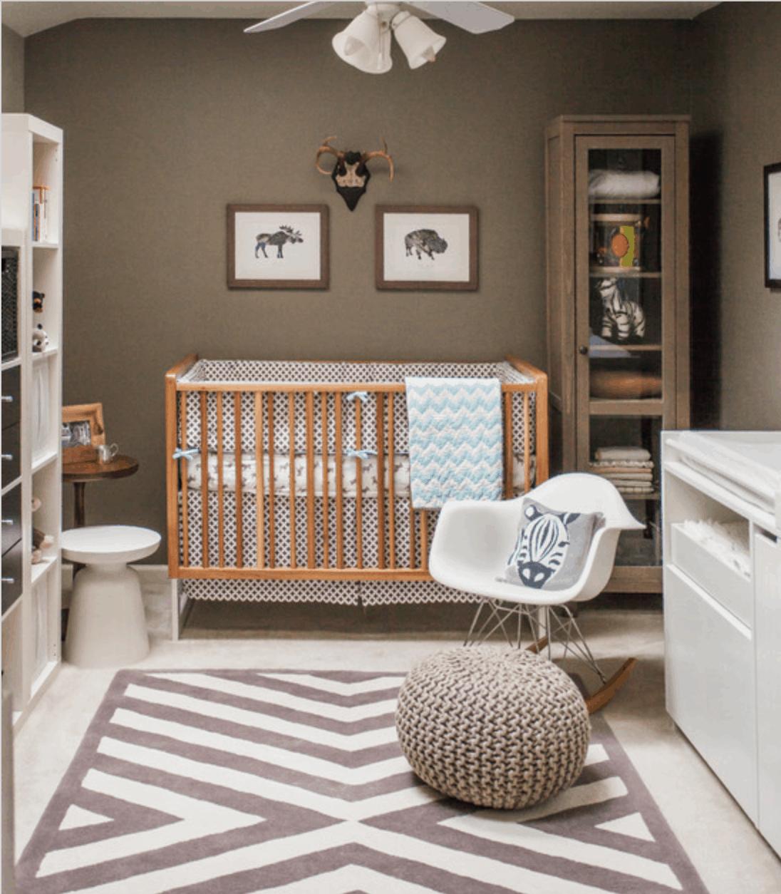 Quarto de bebe moderno madeira e branco