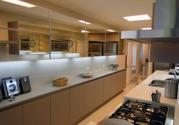 espelhos na cozinha nas basculante