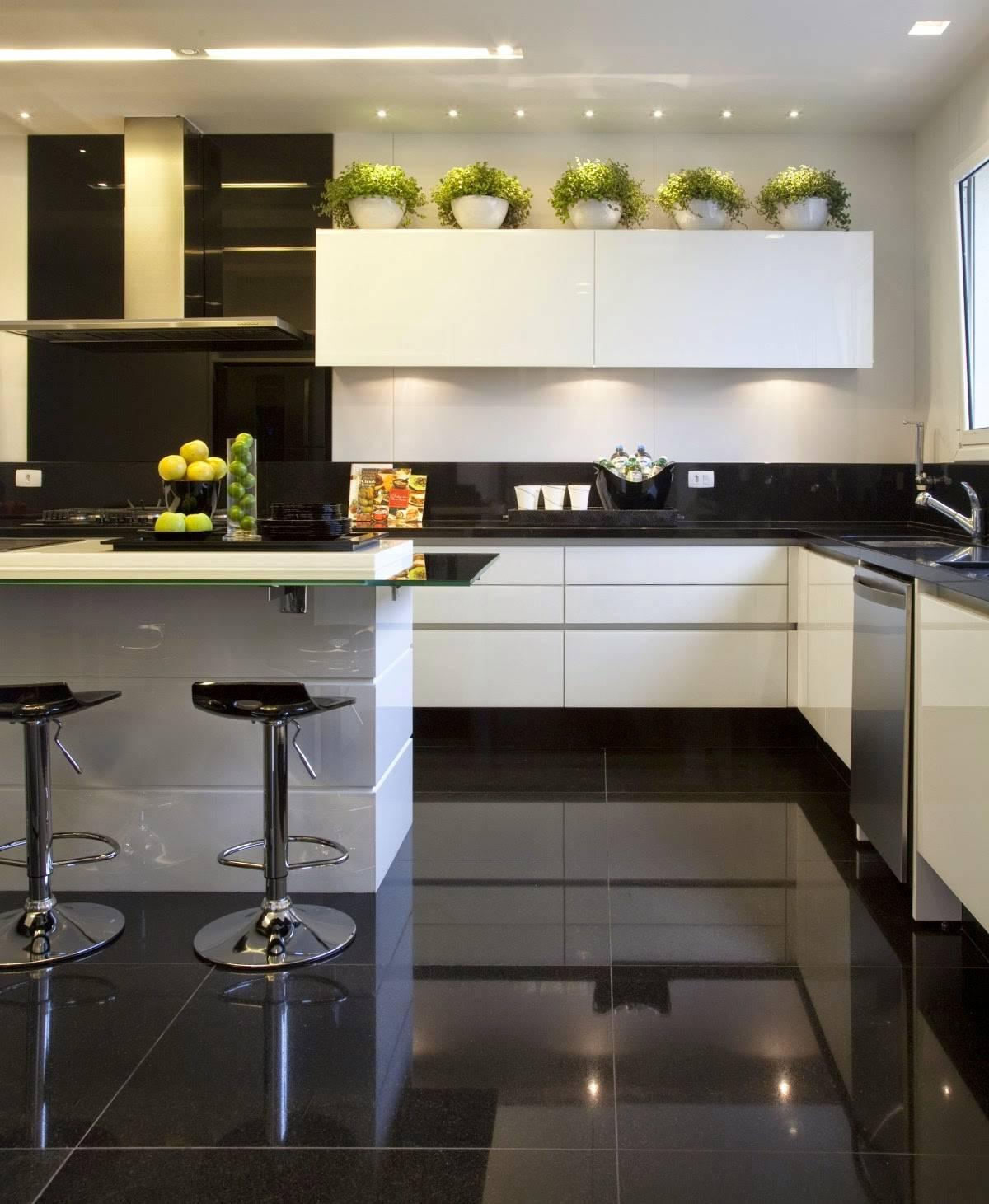 30 Ambientes Com Piso Preto Dicas E Ideias Com Porcelanato Preto  ~ Pastilha Cozinha Americana