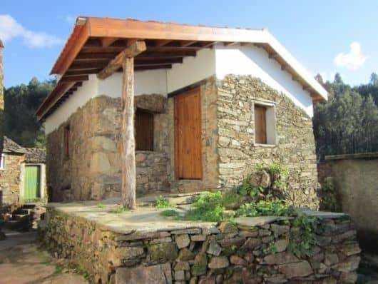 22 ideias para fachadas de casas r sticas com tijolos for Casas rusticas pequenas