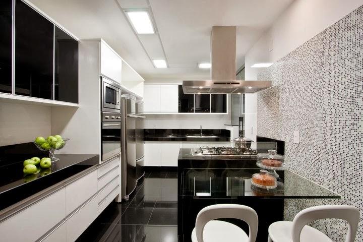 08 cozinha com piso porcenalato pequeno preto