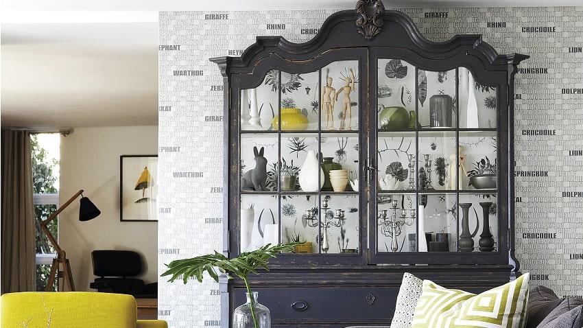 13 cristaleira antiga grafite com fundo de papel de parede