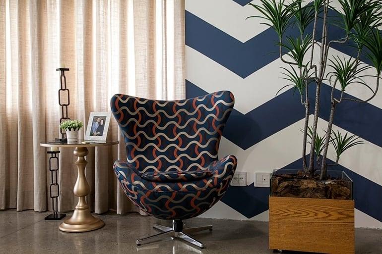 chevron grande e azul na parede pintura