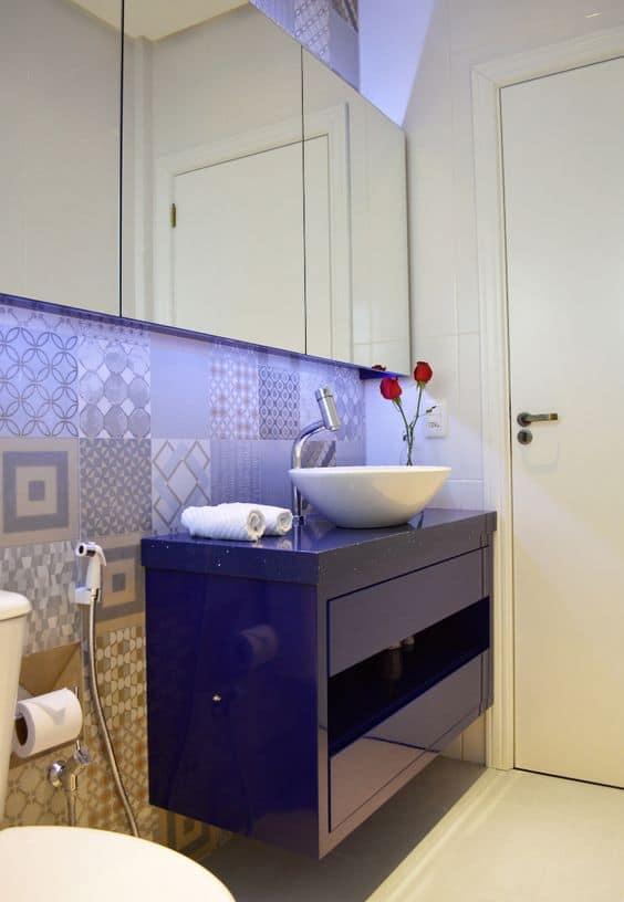 16 Ideias de Decoração com móvel colorido no banheiro Fotos -> Armario De Banheiro Azul