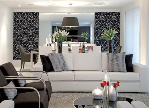 Decoração de sala de estar com quadros