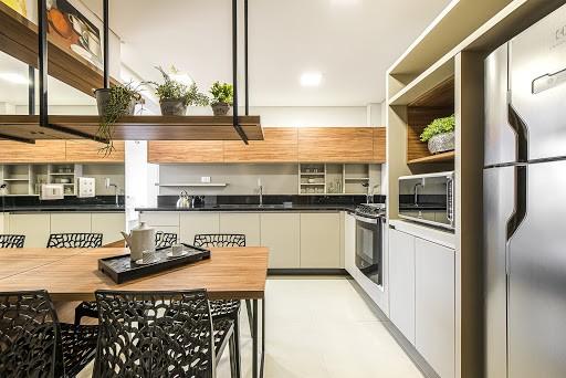 cozinha com moveis na vertical