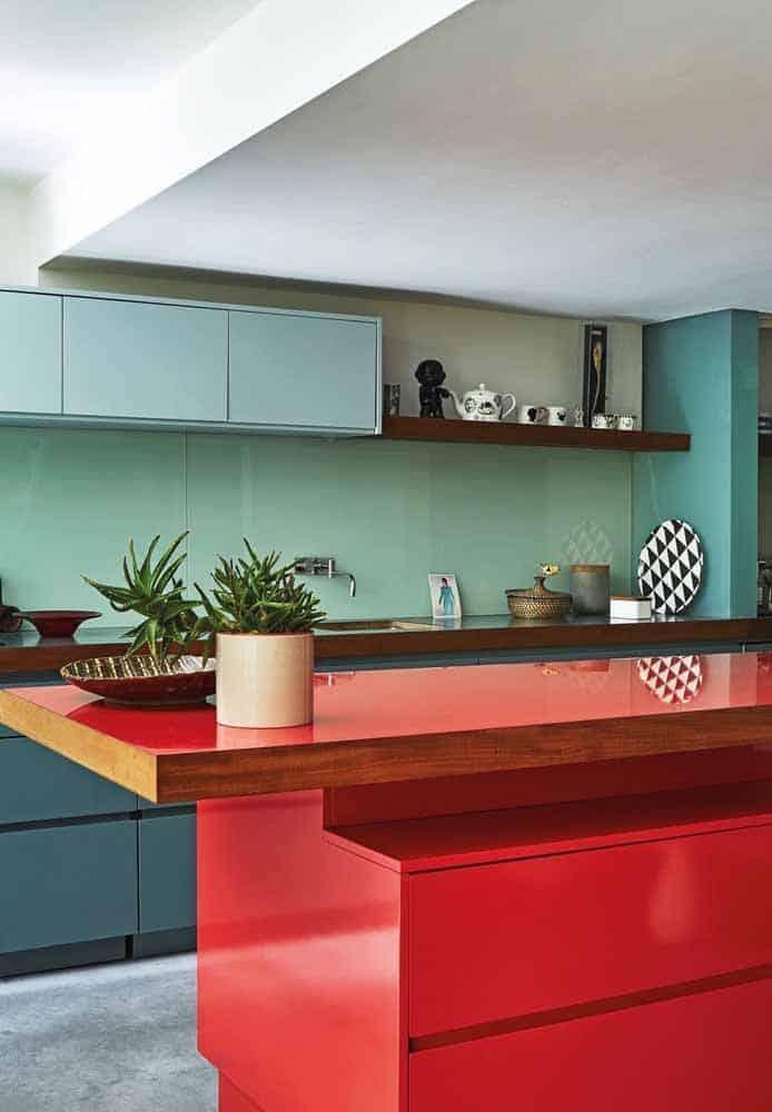 cozinha verde e vermelha moderna
