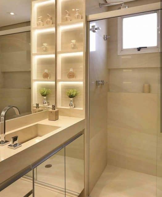 projeto de banheiro com nichos para perfumes