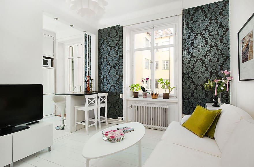papel de parede arabesco escuro na sala