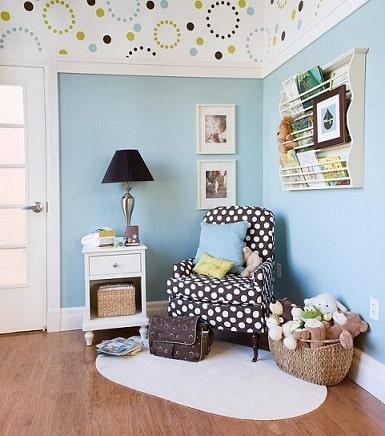 canto decorado quarto de bebe poltrona