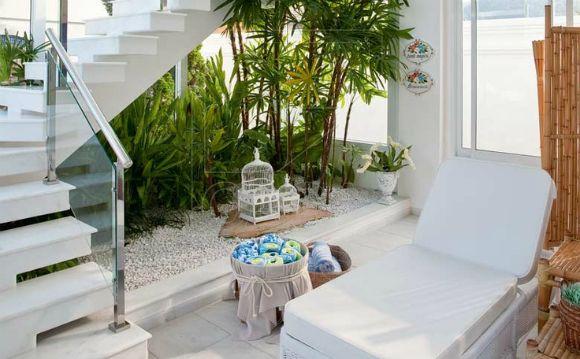 decorar embaixo da escada com jardim