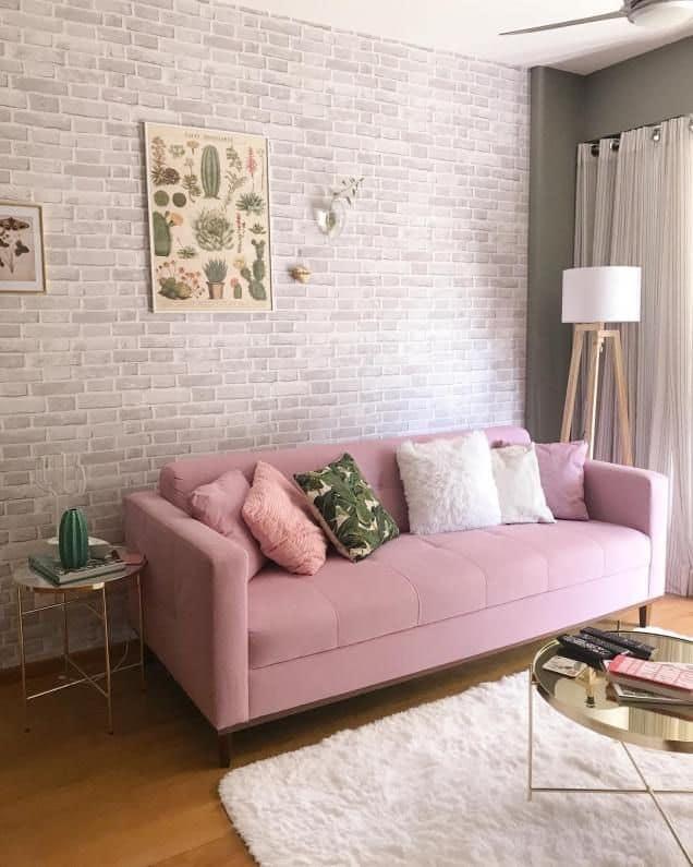 sala delicada com sofa rosa quartzo