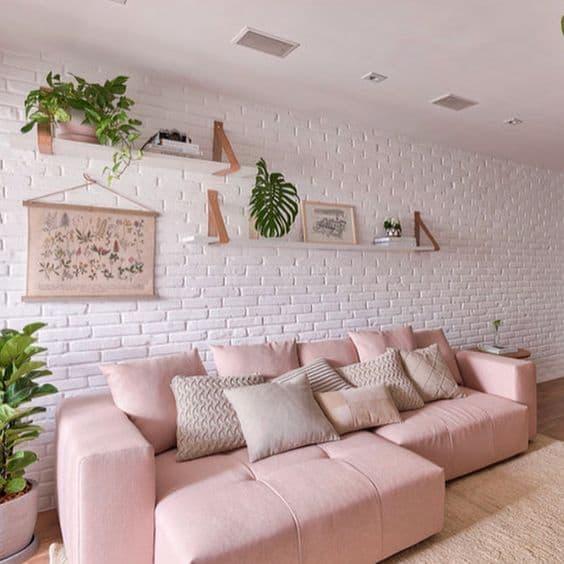 sala moderna com sofa rosa claro