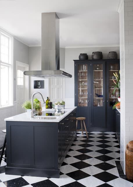 cozinha classica piso xadrez