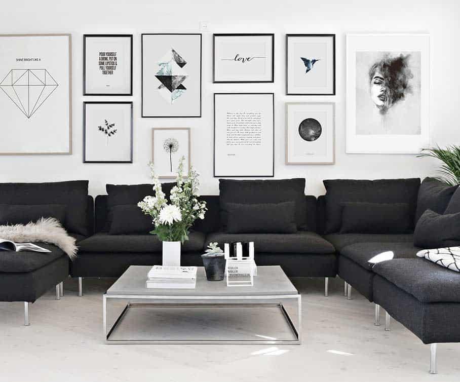 sala elegante com sofa preto