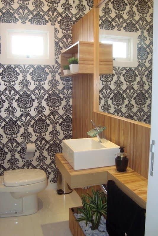 4 Lavabo contemporaneo com papel de parede branco e preto