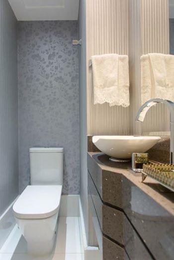 5 lavabo com papel de parede delicado