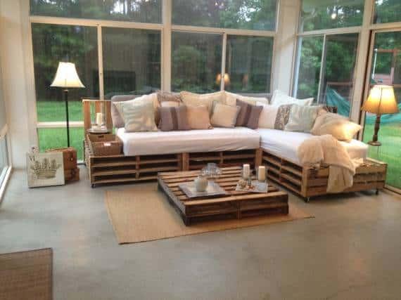 sofa de canto sob medida com pallets e colchao