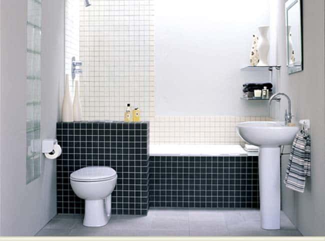05 banheiro com banheira sob medida e pastilhas
