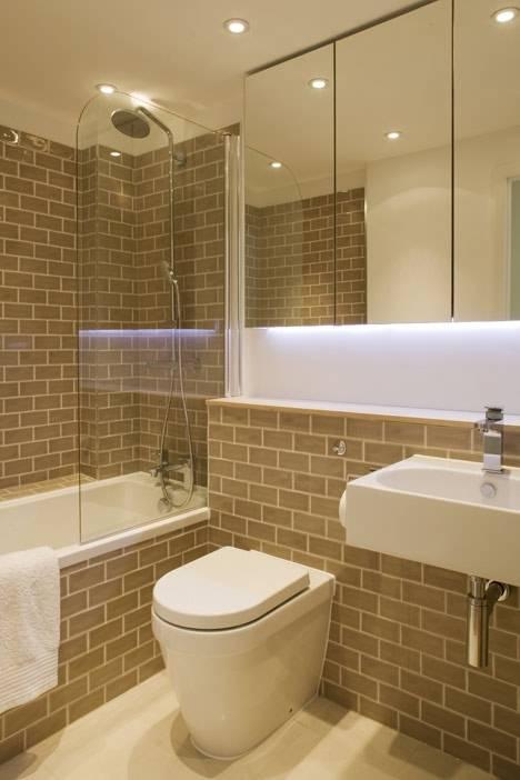 15 banheiro pequeno com tijolinho e banheira