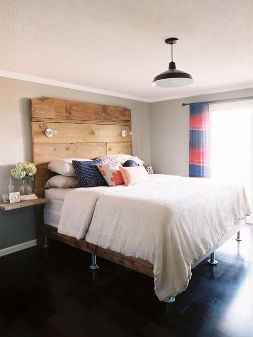 17 quarto com piso de madeira preto