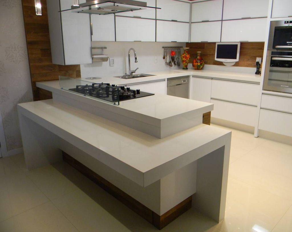 cozinha com tampo de quarzo branco zeus