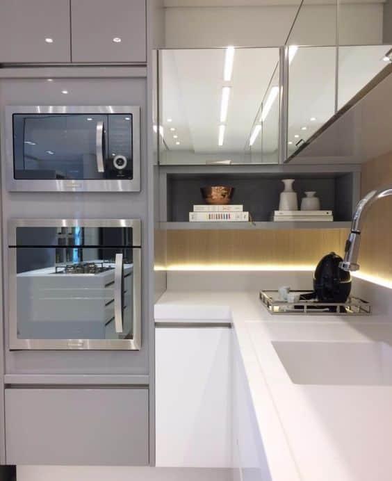 cozinha elegante com pedra branca