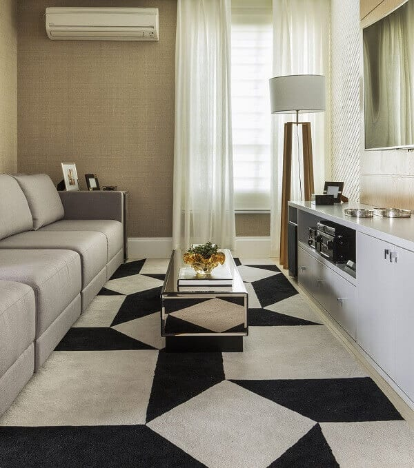Sala preto e branca moderna e simples