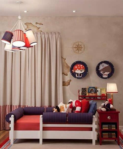 quarto decorado com tema de pirata