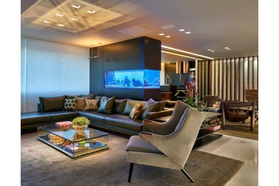 sala moderna com aquario