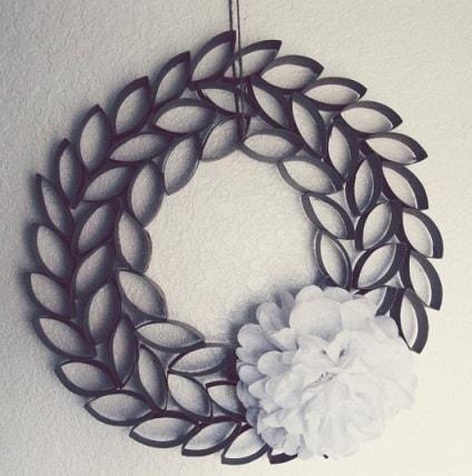 guirlanda-artesanal-com-papel-e-flores