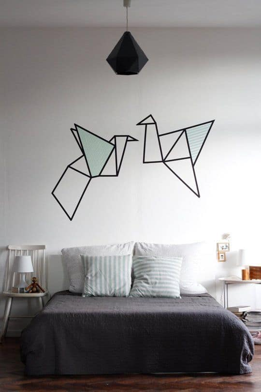 decorar o quarto com fita isolante
