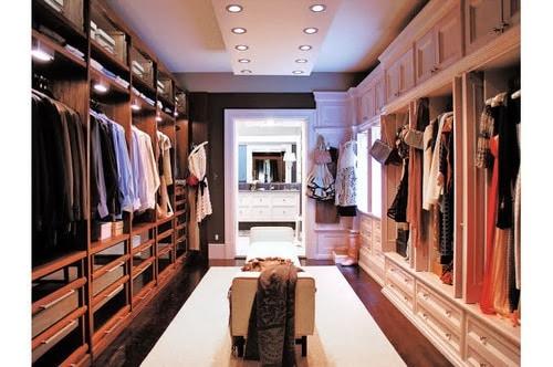 Closet para casal com estilos diferentes