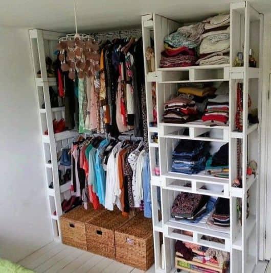 Closet feito de pallets