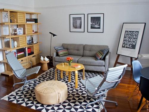 cadeiras charles eames na sala pequena e moderna
