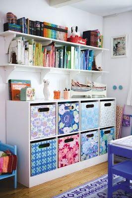 ideia de decoracao do atelie com adesivos ou papel de parede
