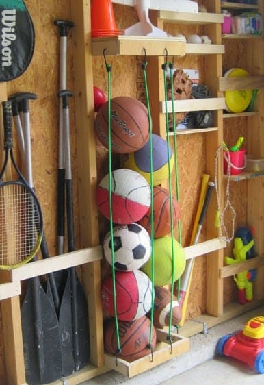 como guardar bolas com ganchos e cordas