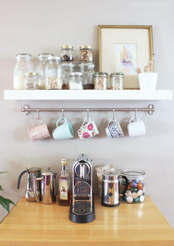 Como organizar xícaras e cafés
