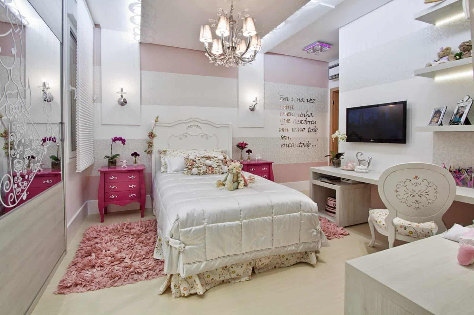 Criados mudos clássicos rosa