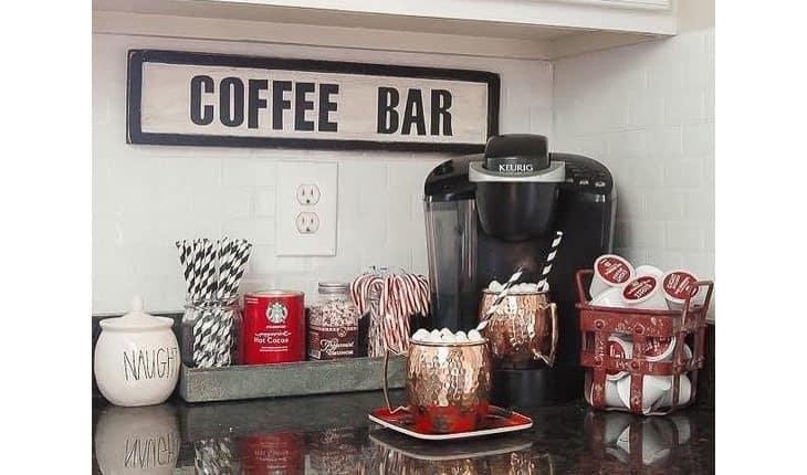 Cantinho do coffee bar na cozinha
