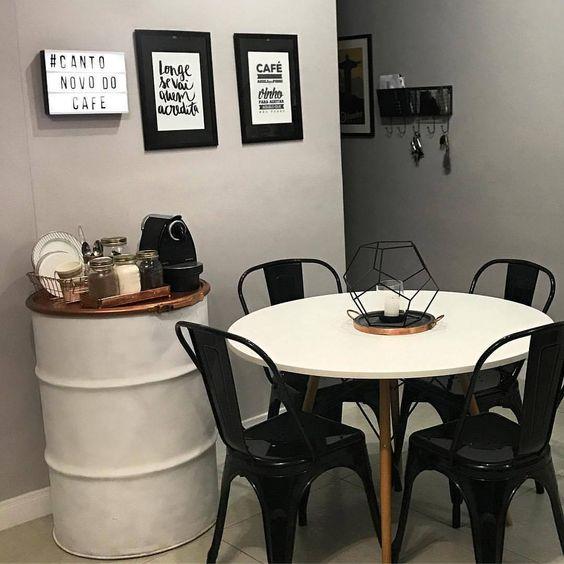 Decoração moderna com tambor decorativo para cafeteira