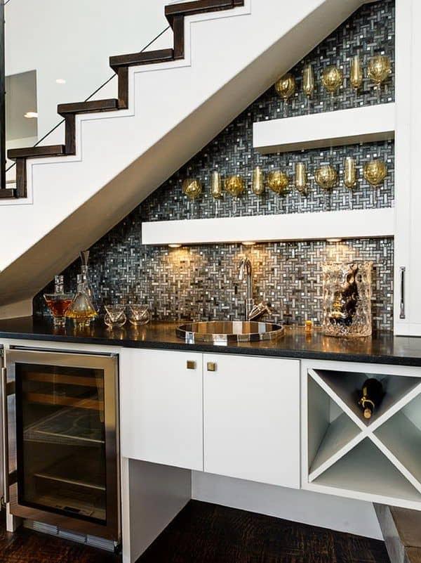 Bar abaixo da escada