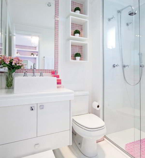 Banheiro de menina com detalhes rosa