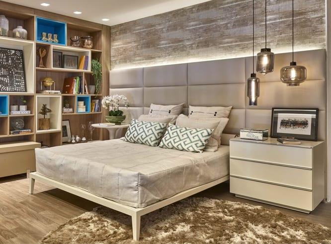 quarto moderno com cabeceira estofada com fita de led