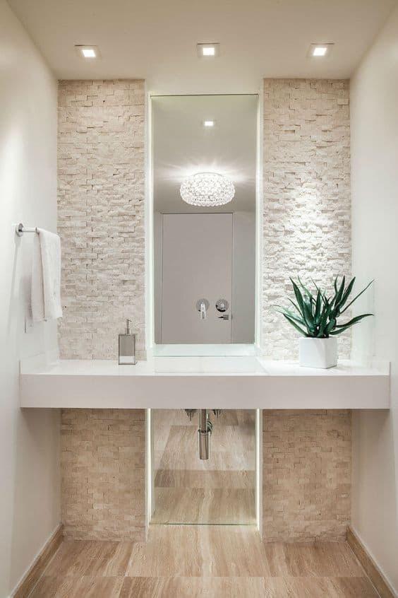 Decoração clean no banheiro com pedras